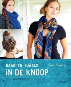 sjaals in de knoop